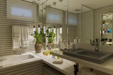 projeto de banheiro com móveis planejados em santos